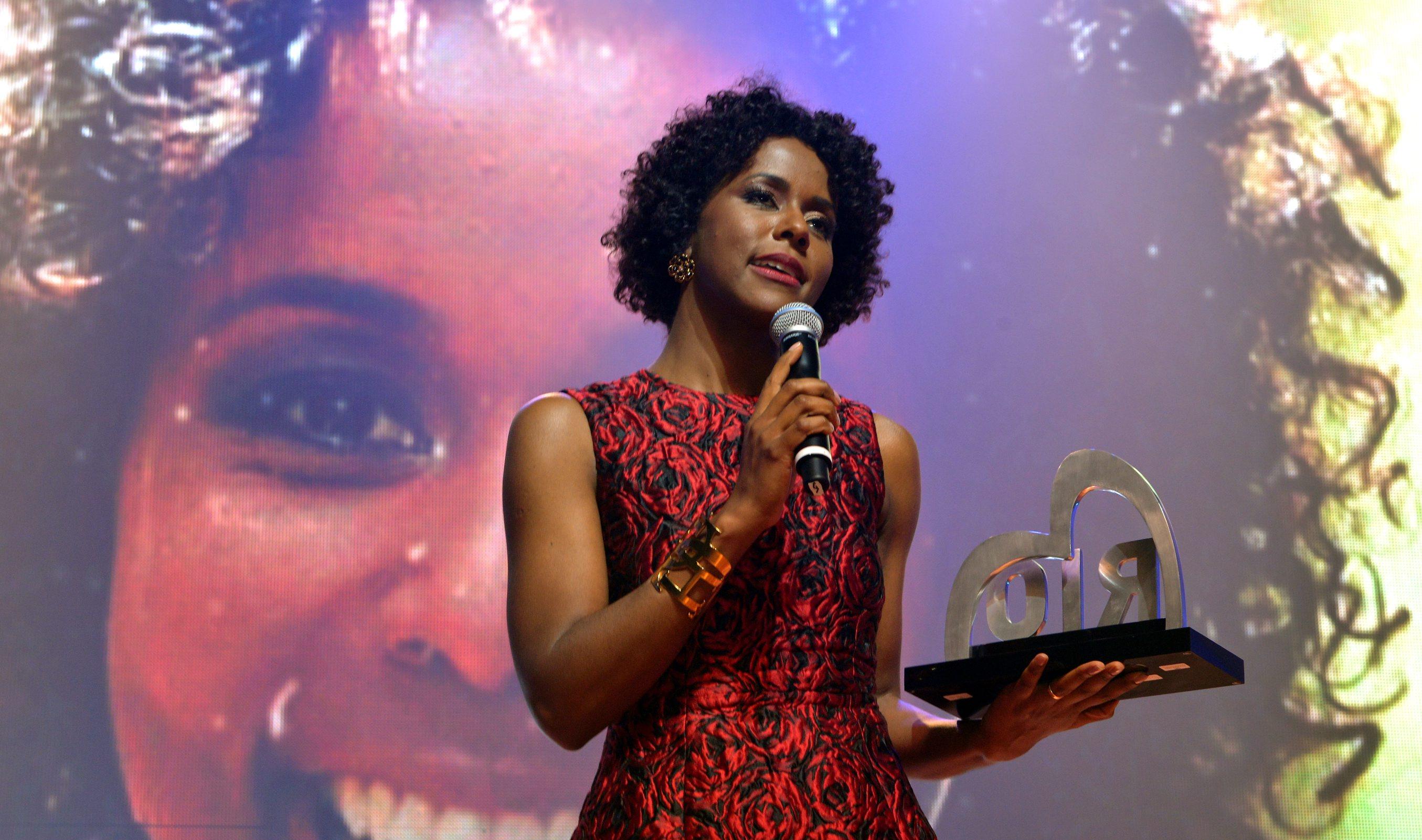 DSC_5497  Maria Júlia Coutinho - Maju  -  Prêmio RIO SEM PRECONCEITO - Setembro 2015 - Foto CRISTINA GRANTO